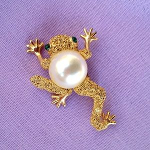 Vintage Pearl Jelly Belly Frog Brooch